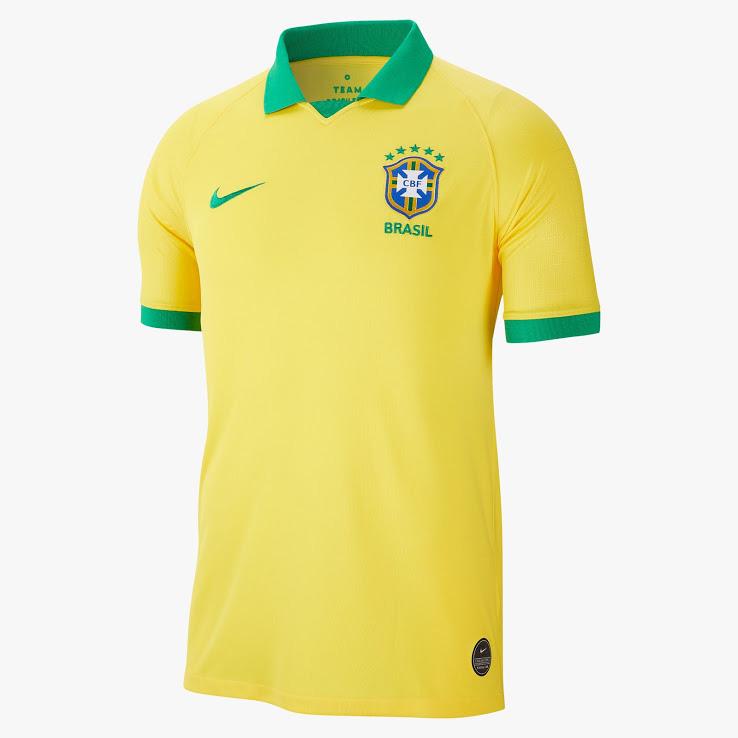 Домашняя форма сборной Бразилии