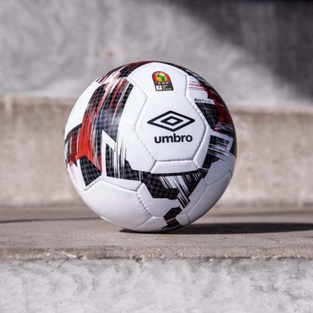 Мяч Umbro для Кубка Африки по футболу 2019
