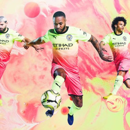 Манчестер Сити представили третью футболку 2019/20